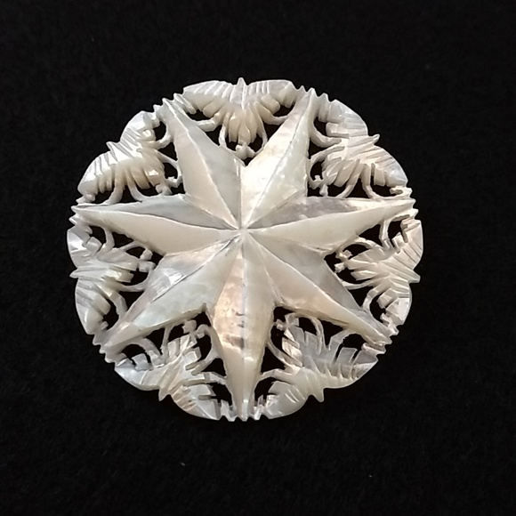 Jewelry - Vintage mother of pearl snowflake pin